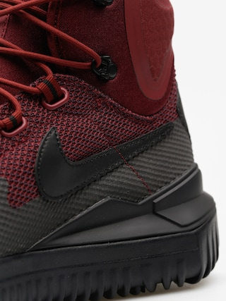 Nike Topánky Air Wild Mid (dark team red/black port wine)